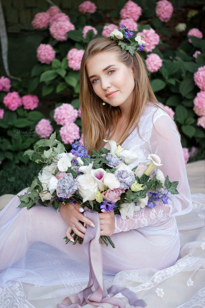 Morning bride in the garden